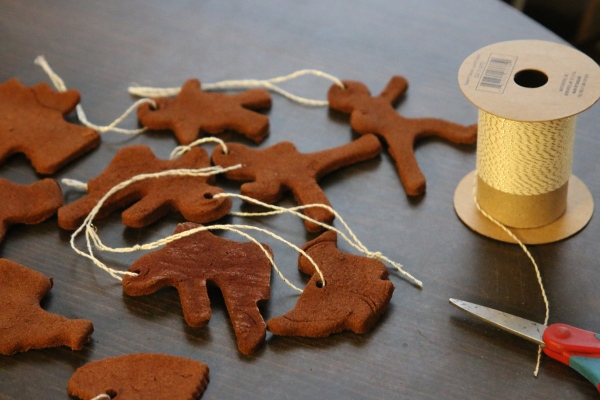 Cinnamon Applesauce Ornaments- 12 days of Homemade Christmas